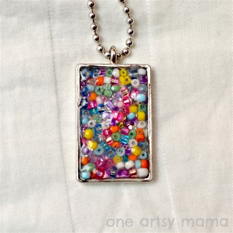 seed bead necklace family crafts