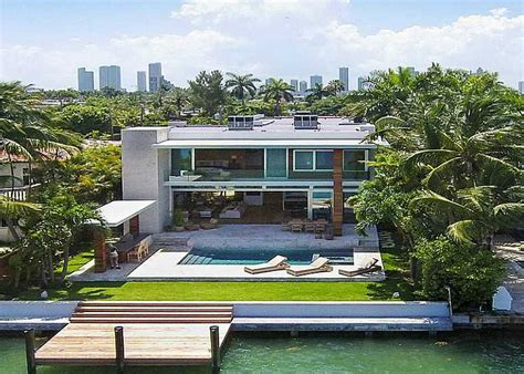 what s my home worth south florida waterfront homes and miami homes for sale miami real estate