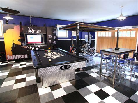 Johnson S Garage by Nascar Jimmy Johnson Home Garage Racedeck Garage Floor