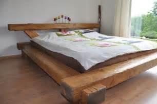 lit parapluie en bois lit unique en poutres vieux bois d 233 co int 233 rieur