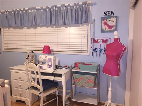 Diy Sewing Room Ideas by Diy Sewing Room On A Budget Keryb