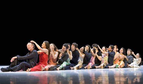 dance review tanztheater wuppertal pina bausch theatre