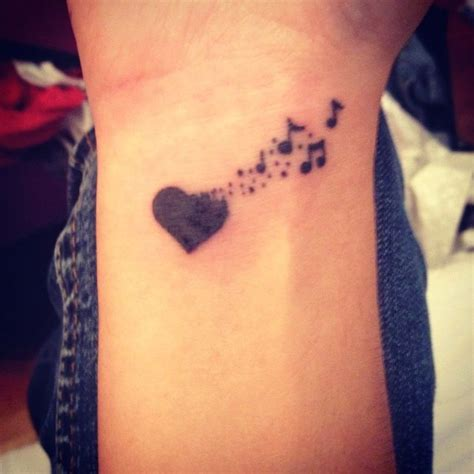 tattooed heart piano cover 26 besten heart music tattoo designs bilder auf pinterest