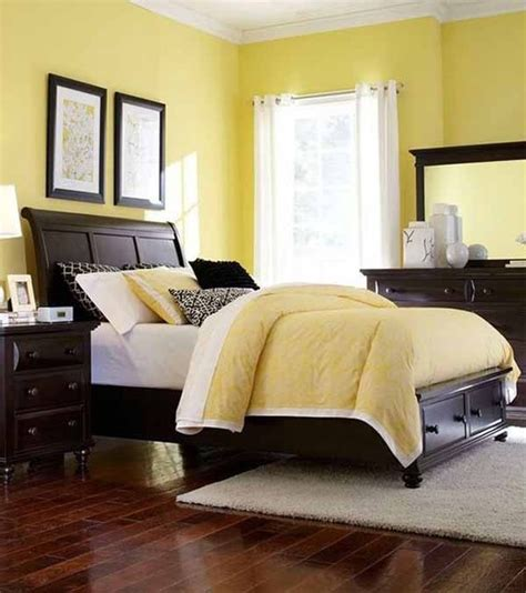 broyhill farnsworth bedroom set broyhill furniture farnsworth eastern king storage sleigh bed in inky black st contemporary
