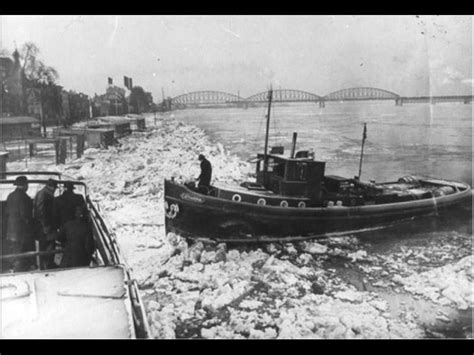 sleepboot dordrecht oorlogsdoden nijmegen 1940 1945 bominslag op sleepboot