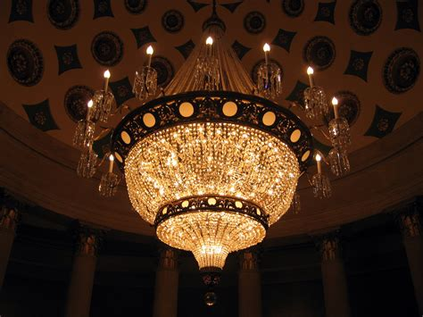 Pictures Of Chandeliers File Chandelier In Us Capitol Building Jpg Wikimedia Commons