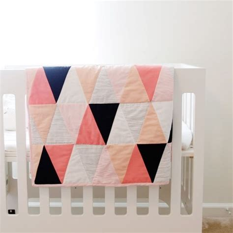 Triangle Quilt Pattern Tutorial | triangle quilt tutorial and pattern crafts sewing