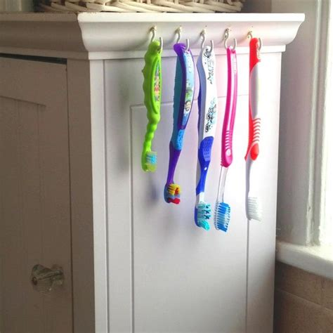 best way to store toothbrush in bathroom 25 best ideas about toothbrush holders on pinterest