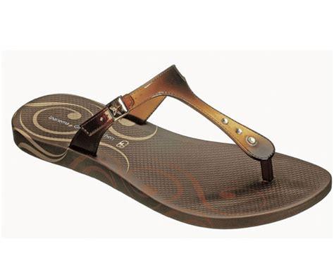Gisele Bundchen Pops To Launch Footwear Range by Gisele Bundchen Footwear Available At Australianflavour