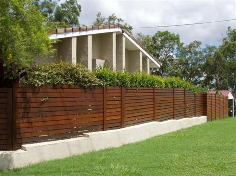 Cheap Garden Fence Ideas Cheap Garden Fencing Ideas Inspiration Board Garden Fencing Ideas Australia Hipagescomau 557x417