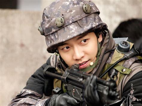 film perang lawas lulus pelatihan lee seung gi nak gagah jadi tentara