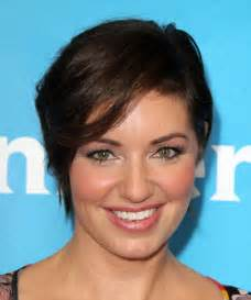 Short straight casual hairstyle dark brunette thehairstyler com