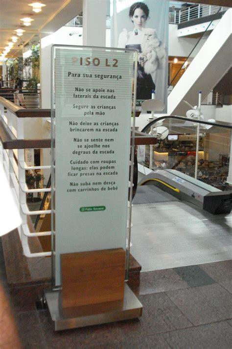 Shopping Patio Savassi by Wayfinding Totem Sign Shopping P 225 Tio Savassi Belo