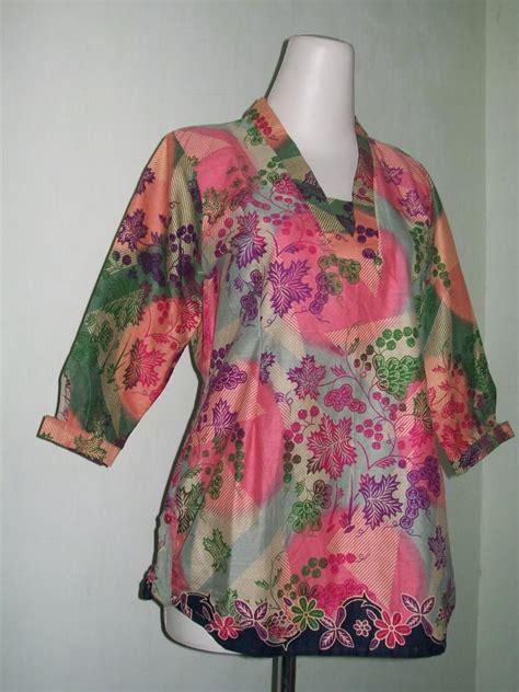Shirt Blus Katun Atasan Wanita Baju Muslim Marlina Top blus batik murah lengan tiga perempat untuk wanita modern