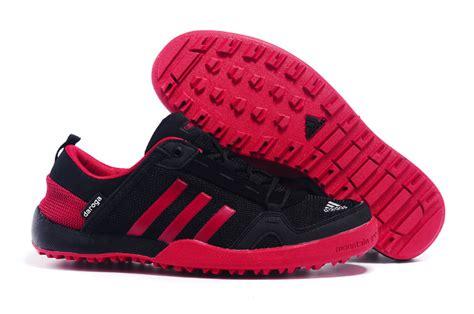 Hombres Adidas Al Aire Libre Daroga Two 11 Cc Zapatos Negro Crimson D98802 Zapatos P 182 adidas climacool daroga two zapatos negro