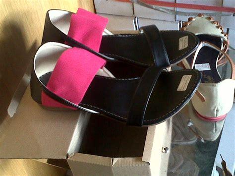 Sepatu Poppy Pink Abu jual sandal sepatu wanita flat shoes poppy bahan karet dan