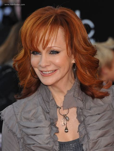 how does reba mcentire stay in shape reba mcentire long chiseled hairstyle for 50 plus