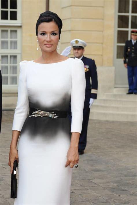 Sheikha Mozah ~ One of World?s Most Stylish Women   Fashion & Style Guru