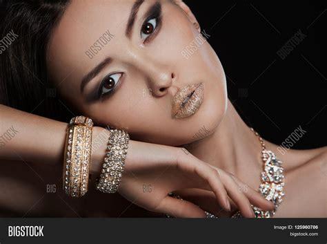 japanese women sideburn jewelry beautiful sexy asian woman model with perfect makeup