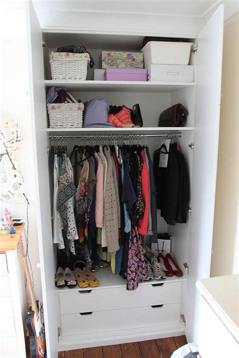 Bottom Of Wardrobe Storage by Best 25 Fitted Wardrobes Ideas On