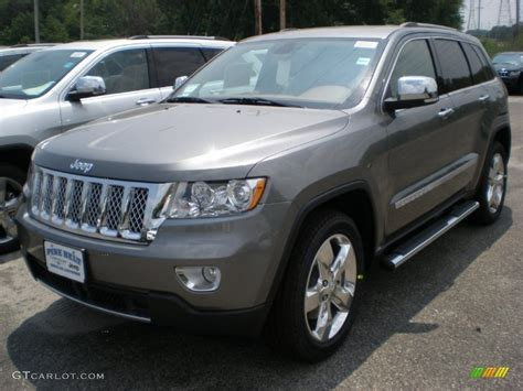 dark gray jeep cherokee 2011 mineral gray metallic jeep grand cherokee overland