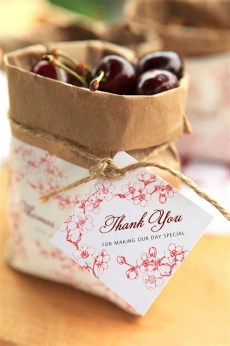 wedding guest favors diy 2 summer rustic diy cherry wedding favors for your guests weddingomania