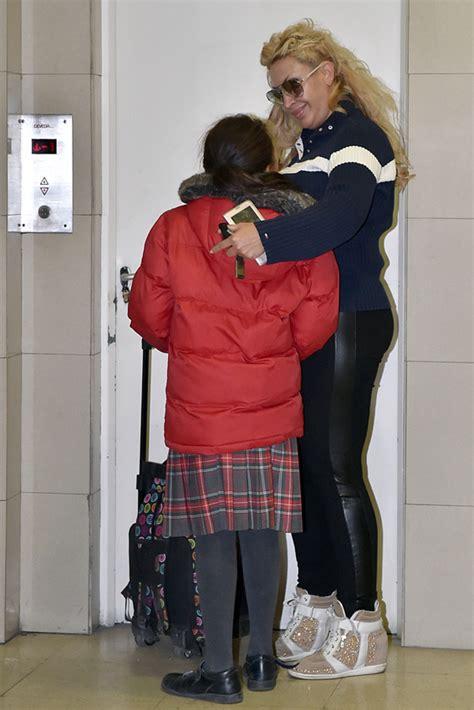 madre con hijo en hotel xxxxxx raquel mosquera volcada en sus hijos mientras su relaci 243 n