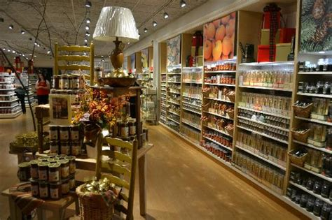 Yankee Candle Factory Tour Deerfield Ma by Yankee Candles By The Jar Picture Of Yankee Candle