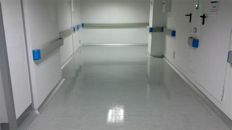 pavimento in linoleum lucidatura pavimento in linoleum plm facility management