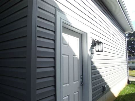 Charcoal Grey Siding - 1000 images about certainteed charcoal gray vinyl siding