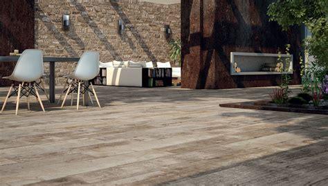 rivestimenti terrazze esterne design di pavimenti e rivestimenti per terrazza in gres