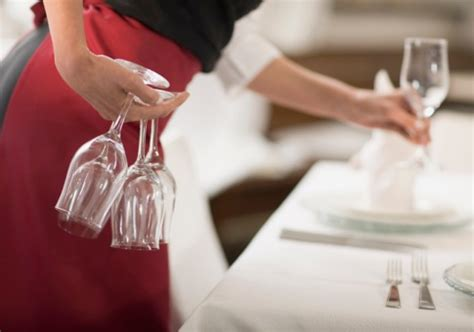Dining Room Attendant In Pictures 15 Where Earn More Than