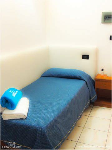camere e suite www.lungomarehotelrc.com