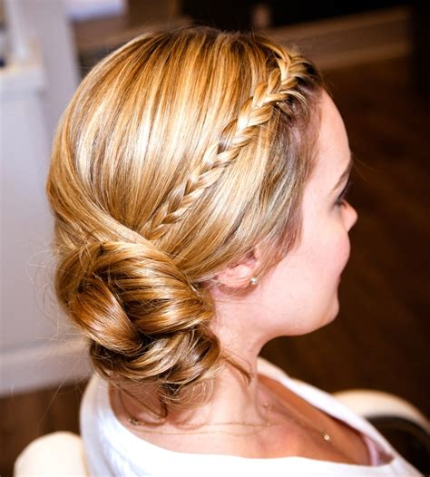 hairstyle for waitresses images 90 best waitress hair images on pinterest hair makeup