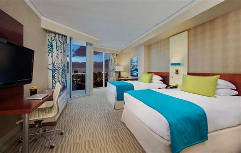 hotels in miami with 2 bedroom suites hotel accommodations in sunny isles beach trump