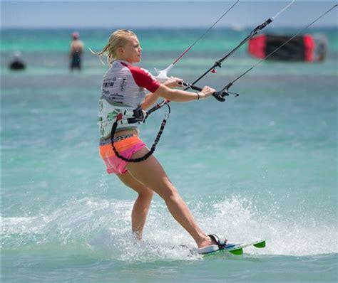 female kitesurfer aruba 2013 kitesurfing aruba: tvstaff