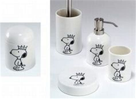 snoopy bathroom decor 1000 images about snoopy for the home on pinterest