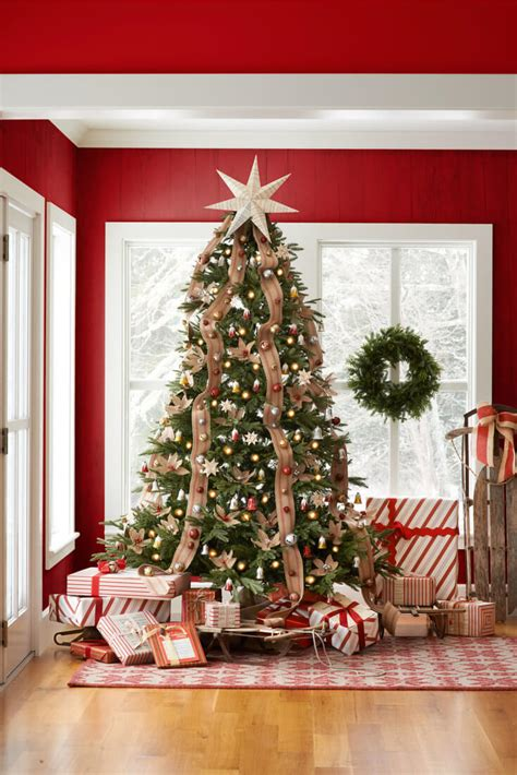how to decorate christmas tree at home christmas tree decorating ideas for 2016