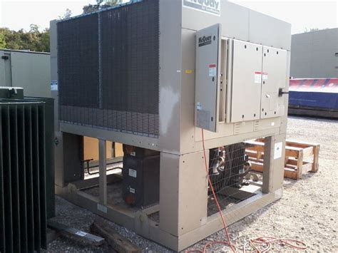 mcquay agz series air cooled chiller  volt runing