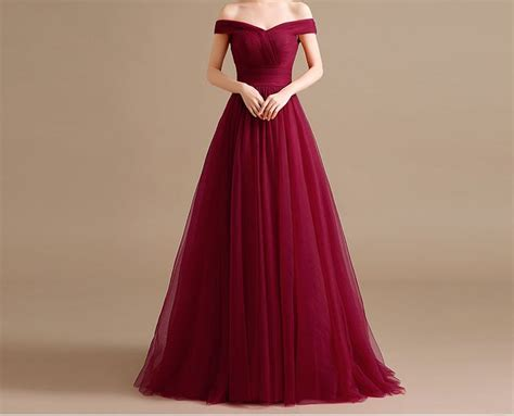 burgundy color prom dress 25 best ideas about burgundy prom dresses on