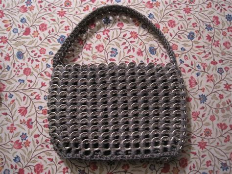 plastic bag yarn and pull tab tote picture 2 quot plarn quot was 258 best plarn images on pinterest crochet tote