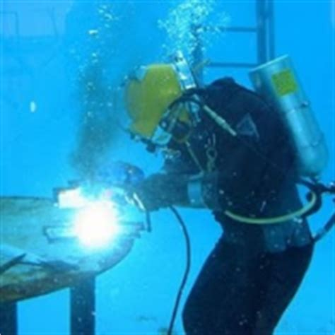 underwater welder requirements duties and salary