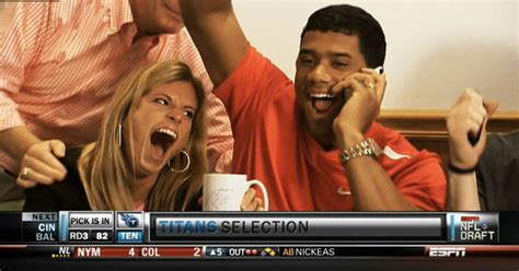 Russell Wilson Wife Meme - russell wilson files for divorce seahawks announce nfl