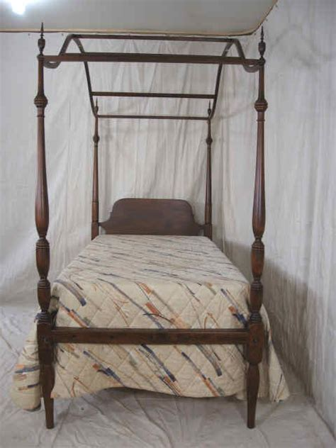 Vintage Canopy Bed Antique Canopy Bed Www Pixshark Images Galleries With A Bite