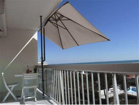 Supérieur Tonnelle En Bois Pour Jardin #5: leroy-merlin-parasol-de-balcon-1024x770.jpg