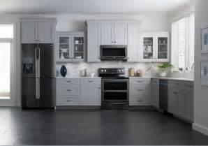 black stainless steel kitchen samsung brings black stainless steel finish to kitchen