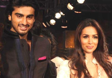 OMG! Malaika Arora and Arjun Kapoor CAUGHT Together Last ...