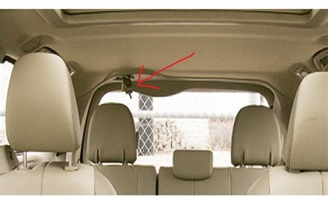 seat belts in cervans toyota questions how to keep the middle rear