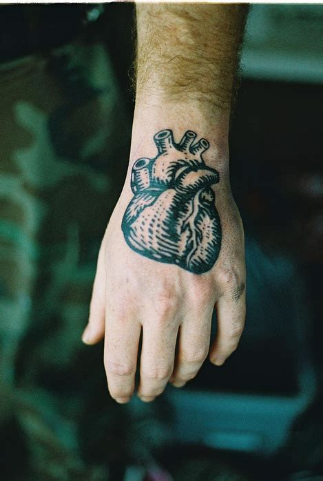 tattoo on hand in military tattoo scabs flaking off hand tattoos army