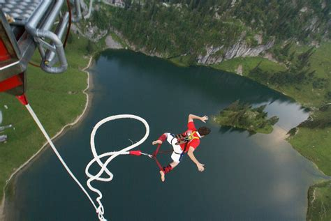 best bungee jumping best bungee jumping locations around the world i live up